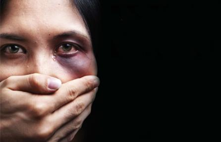 Brindisi, un giorni di ordinaria follia e violenza sulle donne