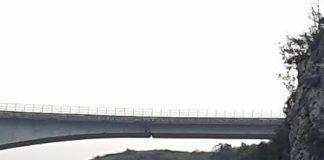 Ponte di San Nicola| Gli esperti invitano alla calma, ma il cedimento delle travi è impressionante