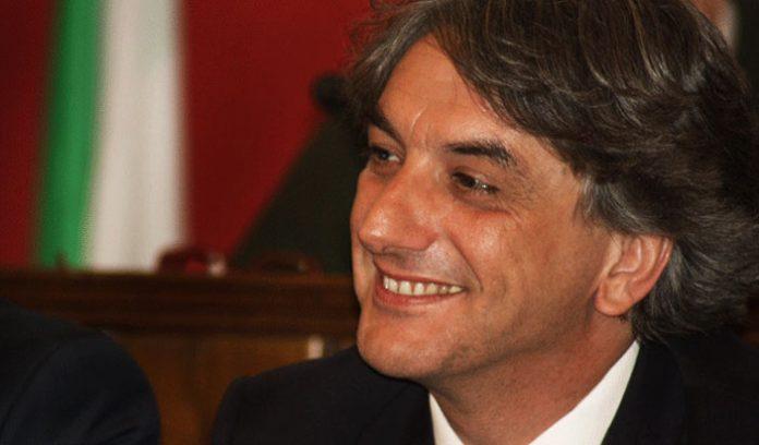 Cartelloni pubblicitari irregolari, Giuseppe Aieta chiese controlli già nel 2012: lo prova un documento