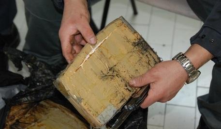 Porto di Gioia Tauro (RC), sequestrati 55 kg di cocaina che avrebbero fruttato 11 milioni di euro