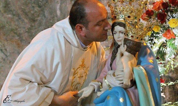Alto Tirreno cosentino | Don Franco Liporace, il prete buono, festeggia 15 anni di sacerdozio