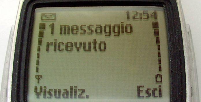 Calabria | Non accettava fine relazione con la compagna, sms erotici alla loro figlia minorenne