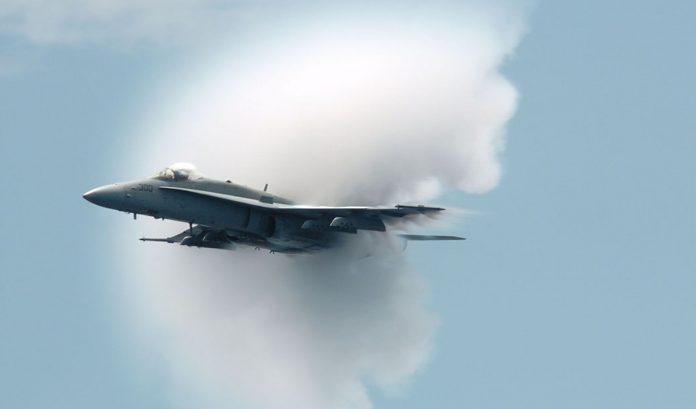Tortora (Cs) | Ancora uno scoppio fortissimo e nessun terremoto: un altro aereo che supera la barriera del suono?