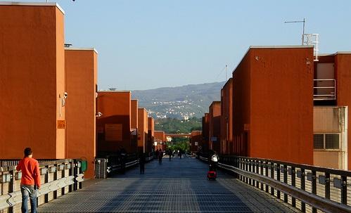 Calabria | Caro tasse Unical, Fronte Gioventù Comunista invita alla lotta: 'Università classista, buffet di appalti e speculazione'