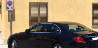 Calabria | Auto parcheggiata sul posto riservato ai disabili, rete in rivolta: 'E' di un consigliere regionale'