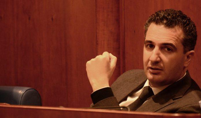 Calabria   Disposizione per la diffusione della mobilità elettrica, il consigliere regionale Orlandino Greco deposita proposta di legge