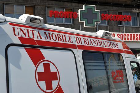 Cosenza | Precipita lungo scarpata per 70 metri, donna rimane incastrata nelle lamiere: morta