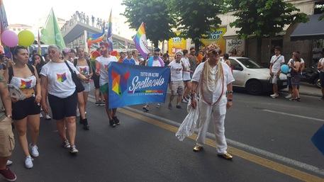 Cosenza | In mille per primo Gay Pride della città, presenti esponenti di sinistra