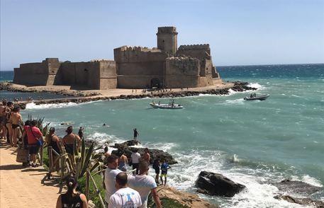 Calabria | Trovato morto 20enne disperso in mare, oggi avrebbe dovuto sostenere l'esame di maturità