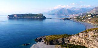 Hai l'attività commerciale a Praia a Mare? Inviaci le tue foto e noi le pubblicheremo, apri il link e scopri come fare