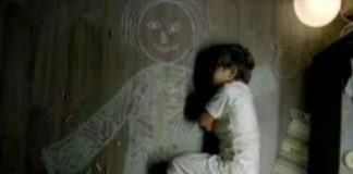 Conversazione tra madre e figlia di 4 anni: 'Tuo fratello ha un piccolo guasto al cervello'