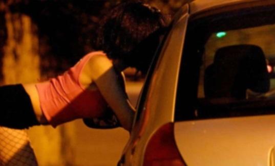Lotta alla prostituzione: a Corigliano (Cs) polizia sequestra l'auto dei clienti, le tre donne multate