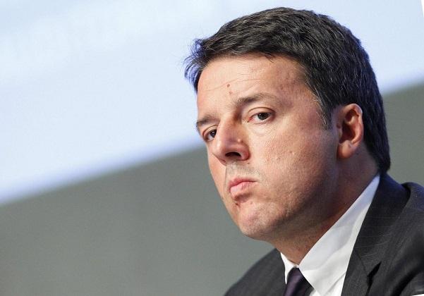 Matteo Renzi a Diamante (Cs), pullman pagati dal Pd per riempire la piazza
