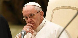 Pedofilia, sacerdoti non useranno più il segreto professionale: le lacrime di coccodrillo di Bergoglio