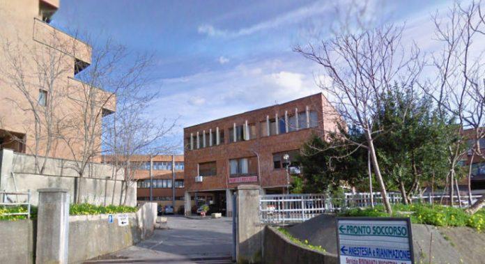 Caos ginecologia a Cetraro, ci scrive l'avvocato del dottor Domenico Introini: ecco la sua versione
