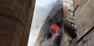 Tragedia a Cosenza, tre persone e un cane muoiono travolti dalle fiamme di un incendio