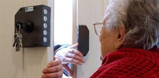 Mesoraca (Kr), finto operatore Enel deruba un'anziana