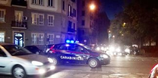 Ricattava l'ex amante facendosi versare 1200 euro al mese: arrestata escort