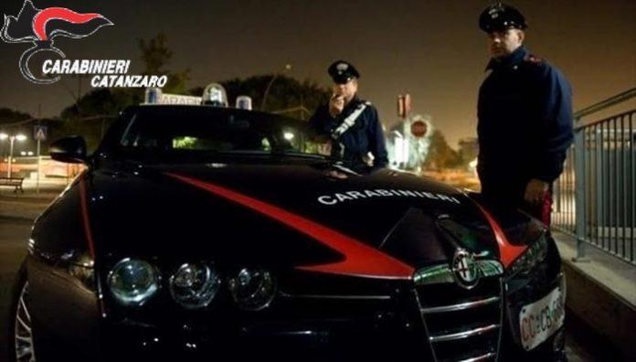 Tampona auto inneggiando all'Isis: arrestato 32enne catanzarese