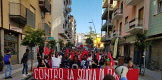 Cosenza, 600 studenti scendono in piazza per l'alternanza