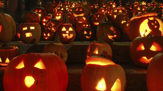 Happy Halloween, a Santa Maria del Cedro la magia della festa in un vero castello
