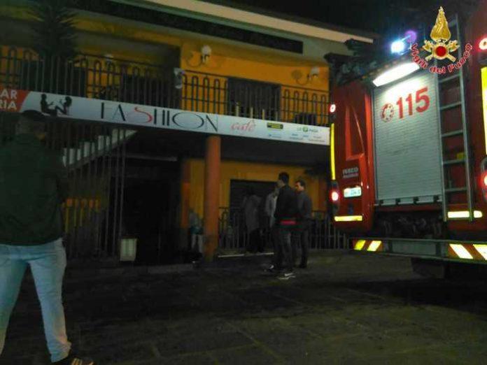 Nella notte incendiato un bar a San Calogero (VV), carabinieri avviano le indagini