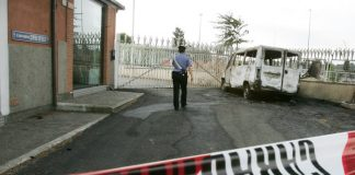 Reggio Calabria, incendiato furgone a imprenditore