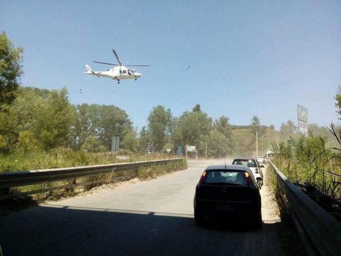 Calabria, trattore si ribalta: un ferito grave
