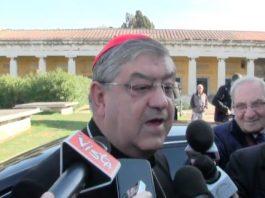 """Il cardinale Crescenzio Sepe alla cronista: """"Preparati alla morte"""""""