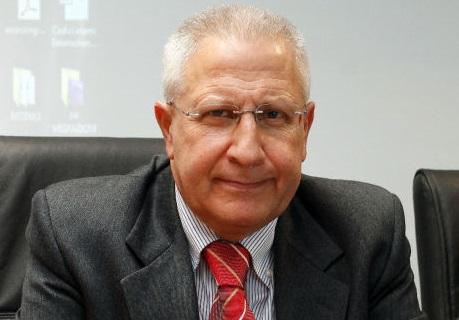 Il dg dell'Asp di Catanzaro Giuseppe Perri si premia da solo con 29mila euro