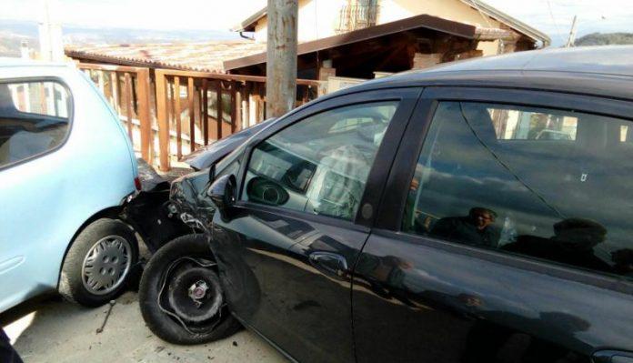 Calabria, auto contro un palo: muore noto sacerdote