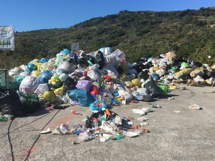 L'isola ecologica di Verbicaro: ecco che fine fanno i rifiuti 'differenziati'