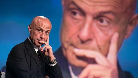 Marco Minniti e il dono dell'ubiquità: lunedì a Diamante e a Cosenza nelle stesse ore