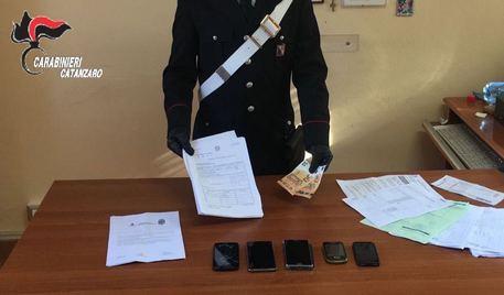 Calabria, si finge poliziotto per estorcere denaro: arrestato - IL NOME