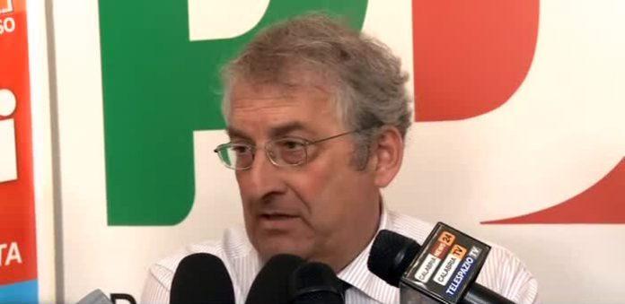 Vetere punta il dito contro Magorno: «Fuori la verità sui fondi ai Comuni del Tirreno»