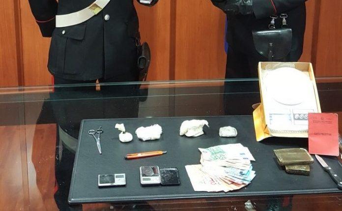 Cosenza, arrestato per spaccio di droga un pregiudicato 40enne colto in flagranza di reato