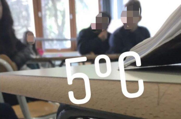 Fgc: «In diversi istituti di Cosenza aule al freddo, promesse della Provincia disattese»