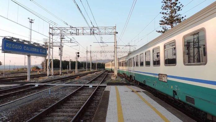 Amianto sulla rete ferroviaria a Reggio Calabria: interrogazione di Parentela
