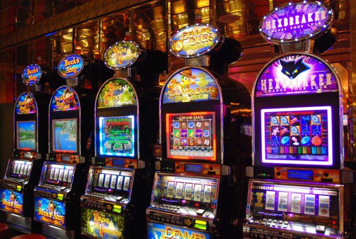 Gioco d'azzardo, a Tortora nel 2016 si è giocato alle slot machine per 3,19 milioni di euro