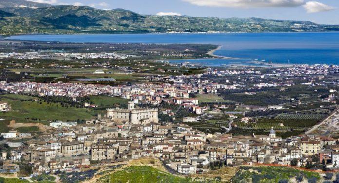 Fusione Corigliano-Rossano: «Basta con la politica di 'Ponzio Pilato' a danno dei cittadini»