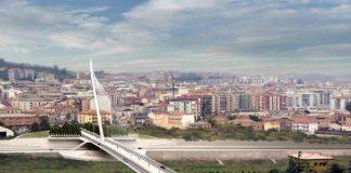A Cosenza si inaugura il ponte milionario ma il soffitto dell'asilo di via Roma cade a pezzi