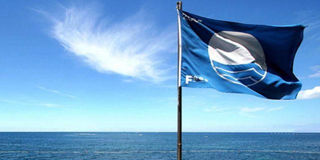 «I Comuni pagano Fee Italia per l'acquisto delle 'preziose' Bandiere Blu»