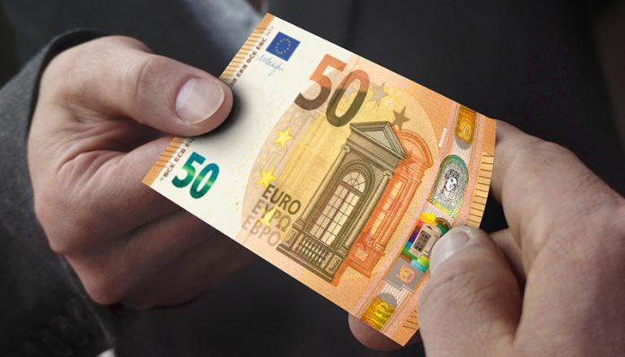 Non si possono scaricare sui consumatori le spese per i pagamenti: condannata l'Asp di Catanzaro