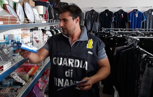 Nel Cosentino la Guardia di Finanza sequestra prodotti con marchio Ce contraffatto