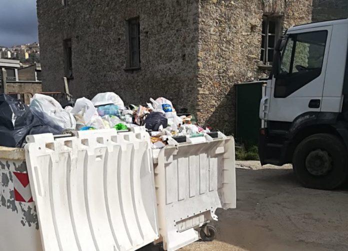 Belvedere, il disastro dei rifiuti: la differenziata che non c'è - prima parte