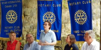 Disabilità, a Pizzo il Rotary Club dona una sedia Job ad Artigianfamiglia