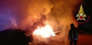 Vibo Valentia, incendiarono auto di studentessa: identificati gli autori