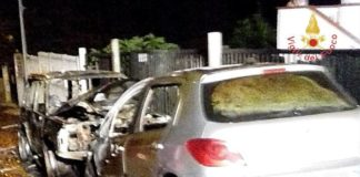 Borgia, due auto in fiamme nella notte: non si esclude nessuna ipotesi