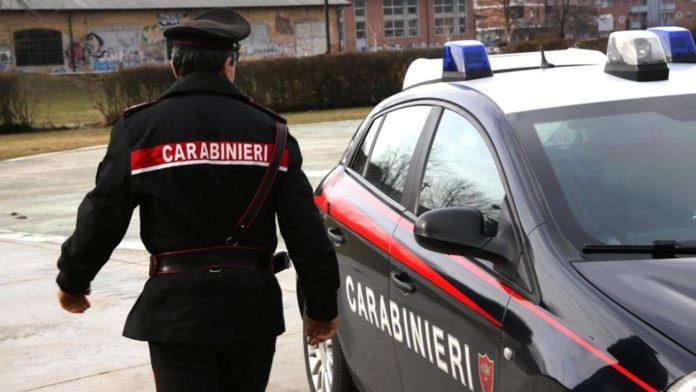 Siderno, irreperibile da giorni: carabinieri lo arrestano dopo fuga sui tetti