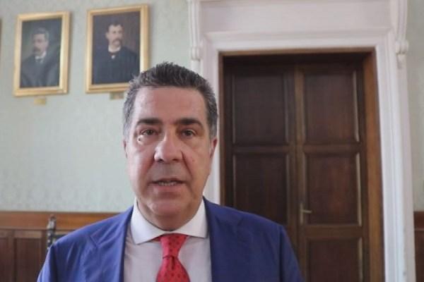 «Cavallaro il negazionista, da oggi arresti tutta la città di Catanzaro»